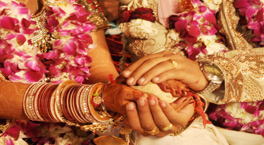 Top 10 Astro-Tips For A Happy Married Life | ShivJyotish